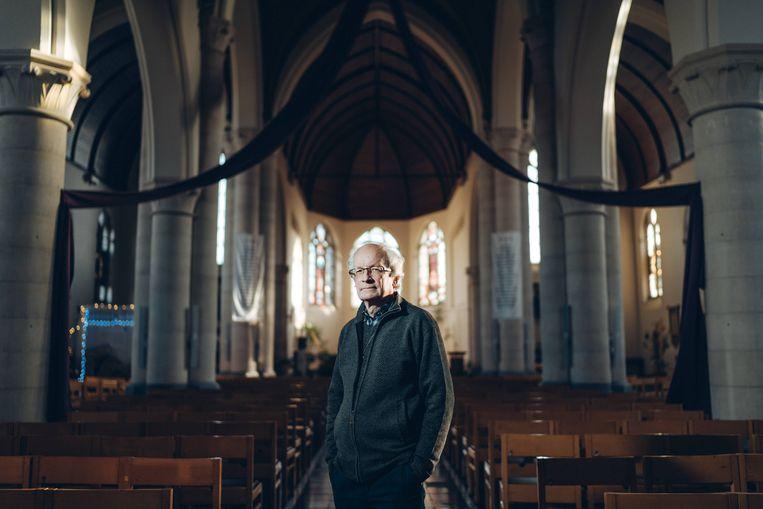 Fernand Maréchal: 'Wanneer ik als priester en als christen mensen in nood probeer te helpen, word ik geboycot. Met dit werk beleef ik enkel mijn geloof.' Beeld Thomas Sweertvaegher