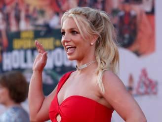 """Fans Britney Spears bezorgd om topless foto's: """"Tegen haar wil"""""""