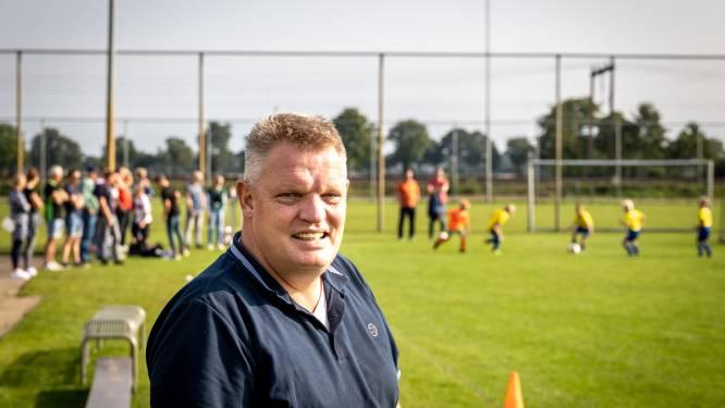 Een potje voetbal op zaterdagmorgen maakt de voorzitter van Staphorst weer gelukkig
