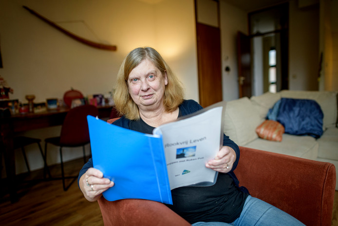 """De Enschedese Marijke Blokzijl stopte met roken. """"Met hulpmiddelen wordt het een stuk eenvoudiger. Maar je moet het wel zelf doen."""""""
