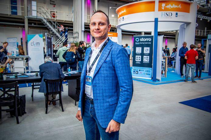 Cyber-expert Vitaliy Yakushev uit Oekraïne: 'Voor ons is het dagelijkse kost. We zijn in hybride oorlog met Rusland en ze testen hun cyberwapens op ons'.