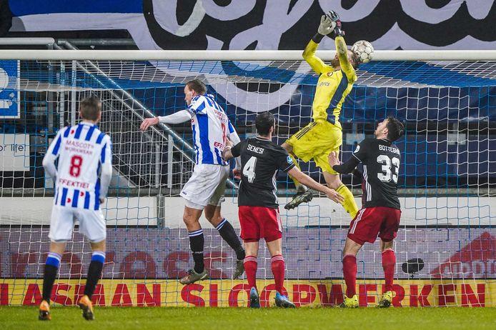 Nick Marsman keepte woensdagavond in de bekerwedstrijd bij Heerenveen, waar Feyenoord na een 1-3 voorsprong met 4-3 verloor.