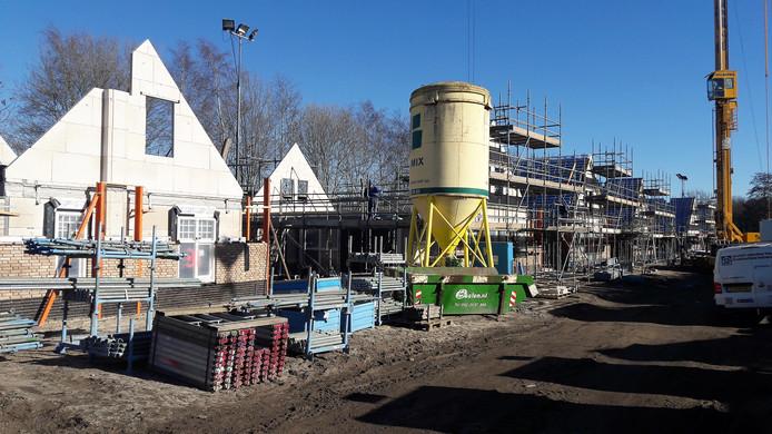 De bouw van het nieuwe Landal Parck Kaatsheuvel schiet flink op.