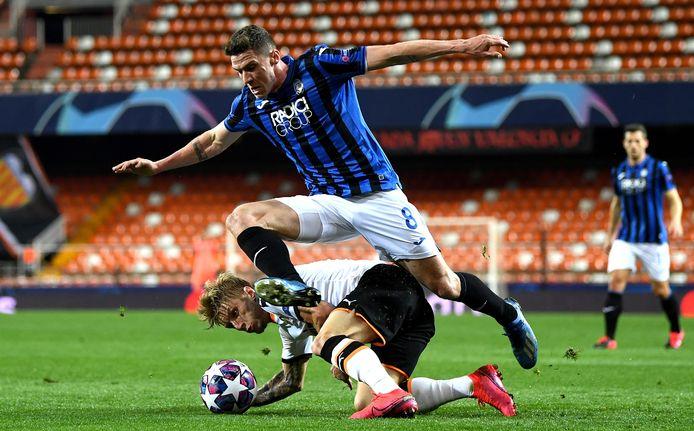 Robin Gosens met Atalanta in actie tegen Valencia.