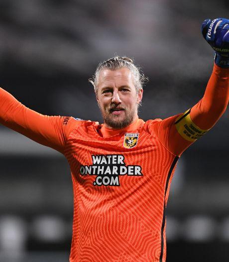 Bekerkoorts bij Vitesse-doelman Pasveer: 'Zelf de titel winnen, daar draait alles om'