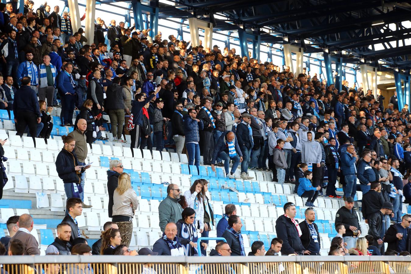 Fans van SPAL hebben het eigen stadion verlaten na een beslissing van de VAR.
