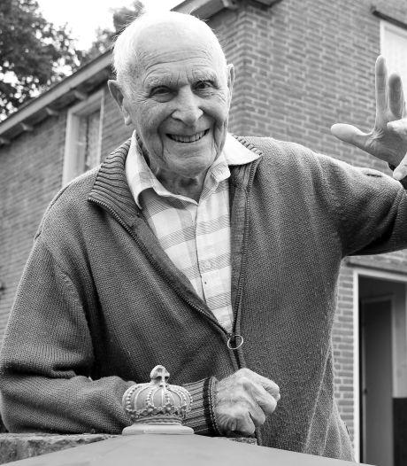 Wie is de oudste man van Nederland? Niemand die het weet na het overlijden van Eelke Bakker (109)