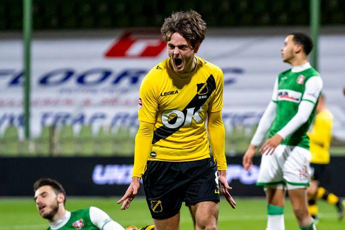 Kaj de Rooij lijkt eindelijk los getuige zijn snelle goals vrijdag in Dordrecht.