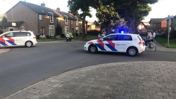 Opnieuw is de politie vanavond met veel mensen aanwezig in Apeldoorn-Zuid.