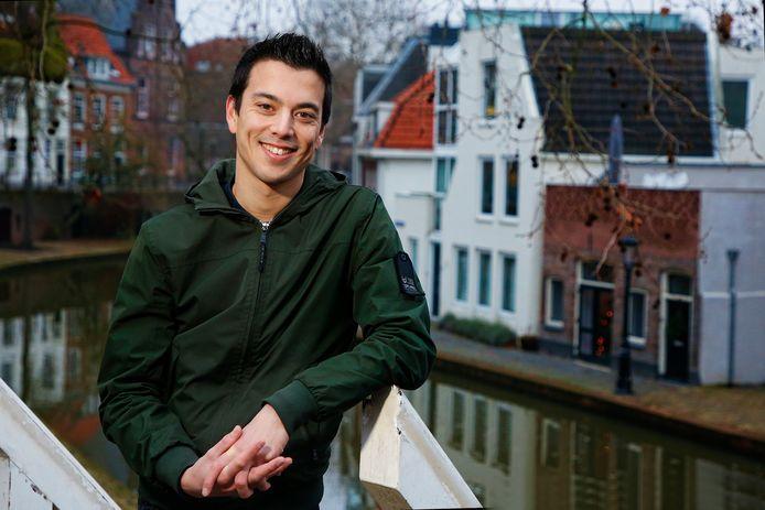 Cabaretier Andries Tunru , finalist in De Slimste Mens.