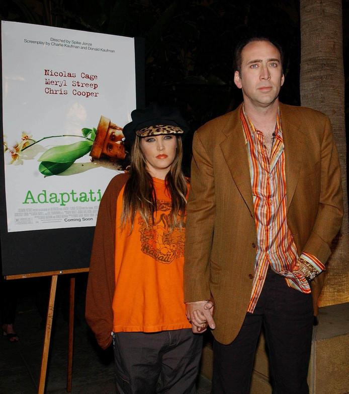 Nicolas Cage met zijn tweede vrouw Lisa Marie Presley. Het huwelijk met de dochter van Elvis Presley duurde slechts drie maanden.