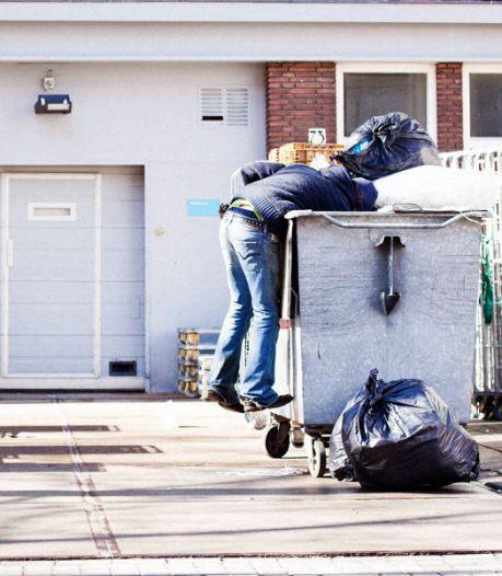 Robin (42) betaalde de huur van donaties: 'Eten haalden we uit afvalbakken'