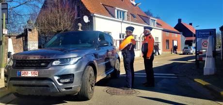 'Smokkelen' aan de grens: Belgen en Nederlanders wisselen boodschappen uit