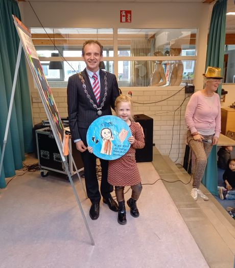 Burgemeester Slinkman Mystery Guest op basisschool Breedeweg Groesbeek