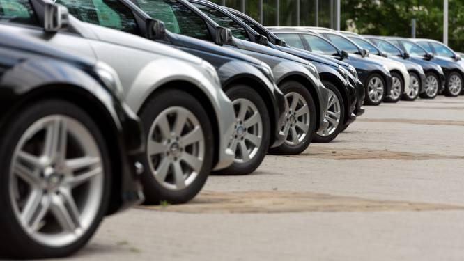 Autobanden gedemonteerd en gestolen op terrein van garagist
