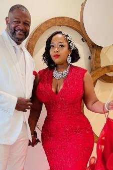 Pasgetrouwd stel stuurt nepfactuur naar vrienden die het lieten afweten op bruiloft
