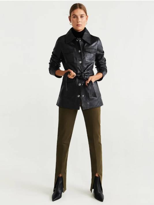 Veste-chemise en cuir noire - 159,99 euros.