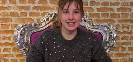 Serra van Wichen uit Alphen in halve finale Nationale Voorleeswedstrijd