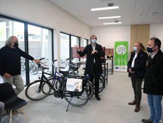 """Fietspunt van Velo vzw aan campus Gasthuisberg: """"Bijna 1 op 5 UZ-medewerkers komt al met de fiets"""""""