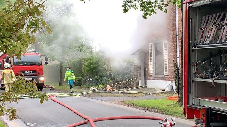 De brand ging gepaard met flink wat rookontwikkeling.