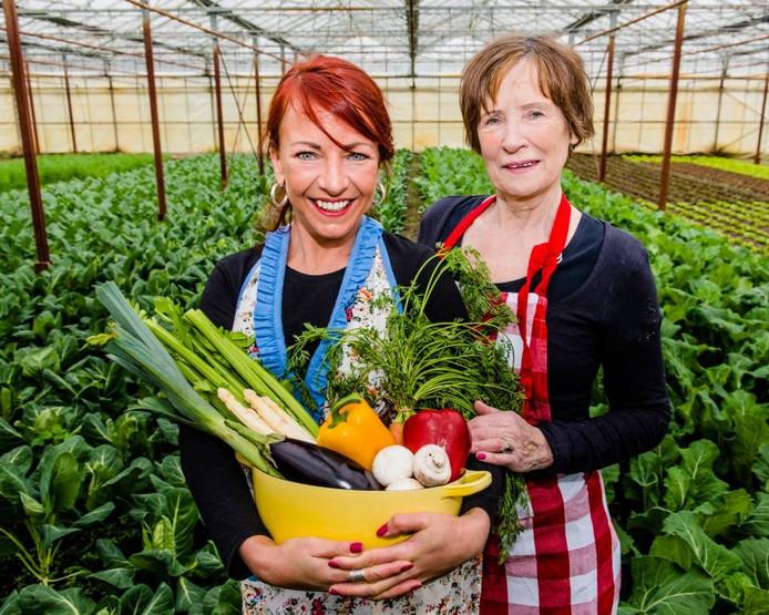 Arlette en Sientje Swartjes brengen samen een kookboek uit. Eigen foto