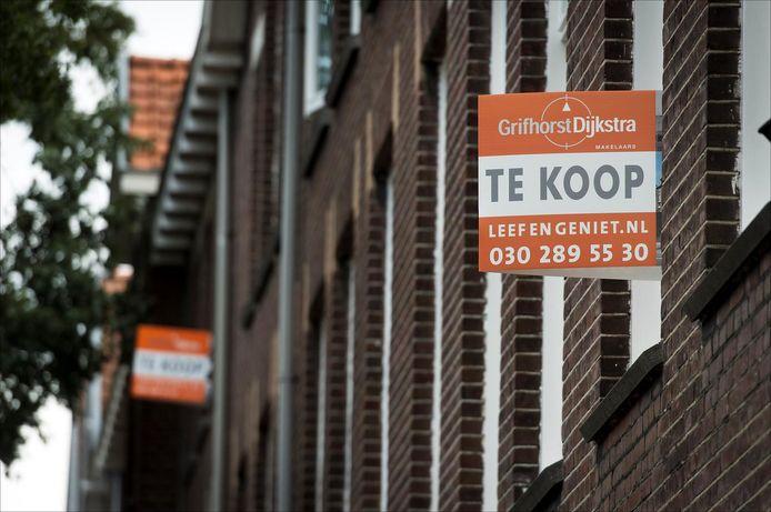 Woningen te koop op de Vossegatselaan in Utrecht. Veel bestaande woningen worden opgekocht door beleggers.