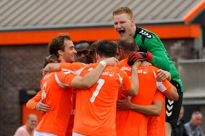 FC Horst wordt komend seizoen aangevuld met twee spelers uit het beloftenteam van DVS'33.