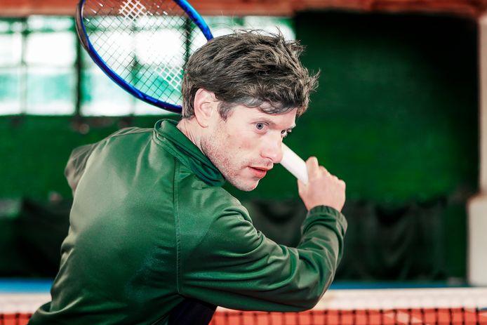 Pieter Van Hyfte verzekerde zich op de Tennis Tour in het Maldegemse TC 't Lobbeke van een plaats in de finale bij mannen 2.