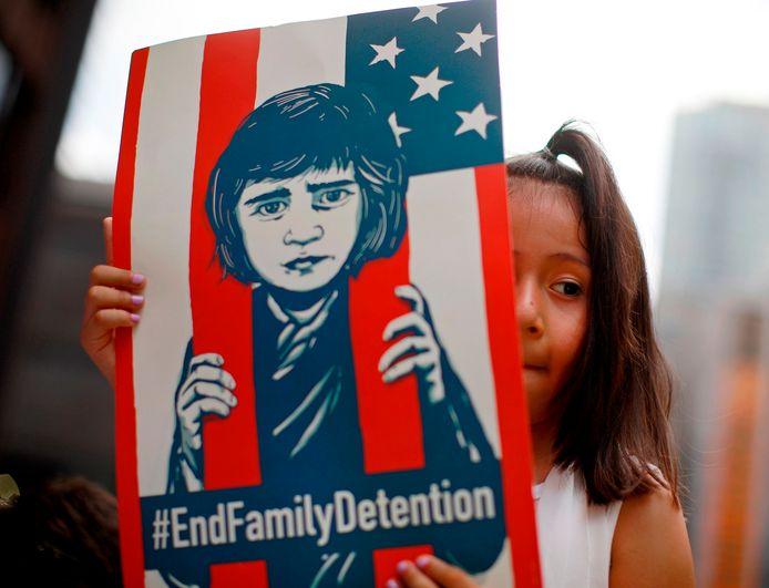 In de VS werd fel geprotesteerd tegen het omstreden beleid.