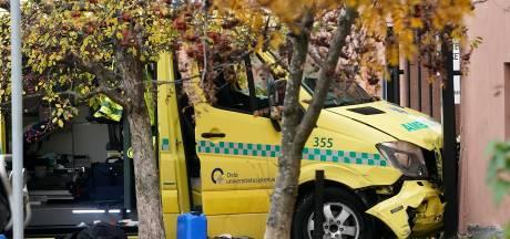 Un homme armé vole une ambulance et renverse des piétons, dont des bébés jumeaux, à Oslo