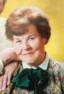 Nannie Zoetbrood, vrouw van Hans.