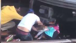 Man (45) springt met zijn dochtertje van vijf voor metrotrein, meisje overleeft