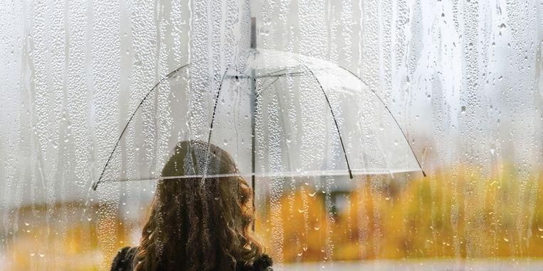 houd-je-paraplu-maar-paraat-de-weersvoorspelling-van-oktober-is-erg-nat.jpg