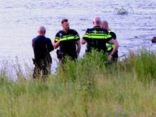 Gevonden meisje in Waal bij Rossum is mogelijk één van de slachtoffers van Duits zwemdrama