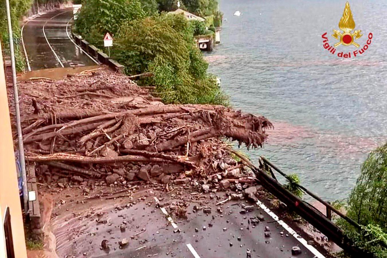 Een geblokkeerde weg bij het Comomeer.