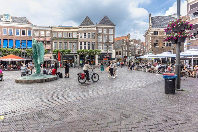 De Grote Markt in Zwolle is tegenwoordig een plein vol met terrassen.