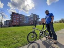 Karel (58) reist elke dag van Eindhoven naar Delft om aan nieuw buurthuis te werken: 'Echt nodig'