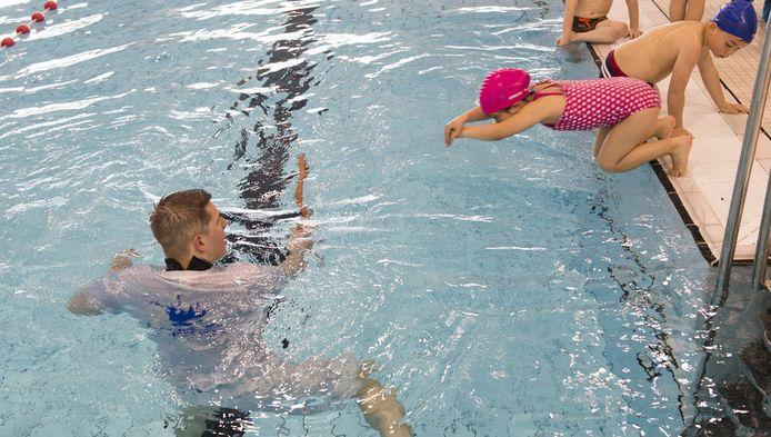 In één op de drie zwembaden was de afgelopen 2 jaar iets mis met de veiligheid, hygiëne of waterkwaliteit.