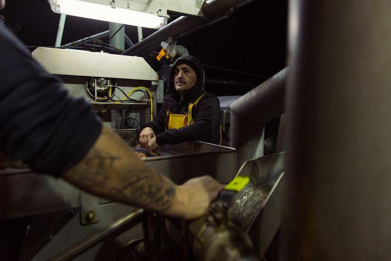 Alain vindt de saaiheid van het werk het lastigste. 'Wachten, wachten, wachten.' Beeld ©jef boes @ initials la