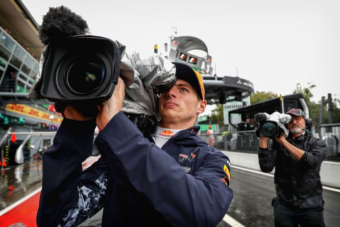 Max Verstappen als cameraman.