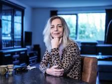 Agnes Kant is nu de baas over de bijwerkingen: 'Ik zeg niet dat je je moet laten vaccineren of dat alle antivaxxers gek zijn'