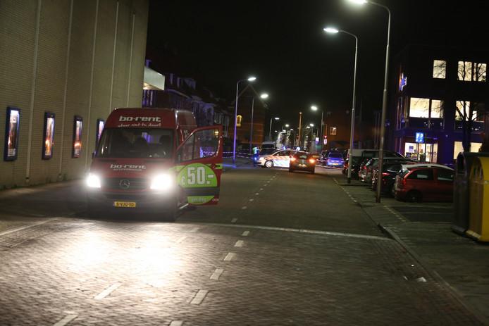 Het slachtoffer van de schietpartij zette begin december zijn huurbusje stil bij het politiebureau aan de Nieuwstraat.
