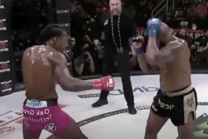 Yoel Romero (rechts) in gevecht met Phil Davis
