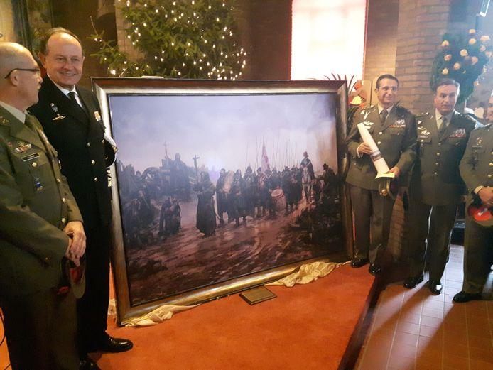 Het Spaanse leger schonk een replica van La Batalla de Empel aan de Landinuskerk in Empel.