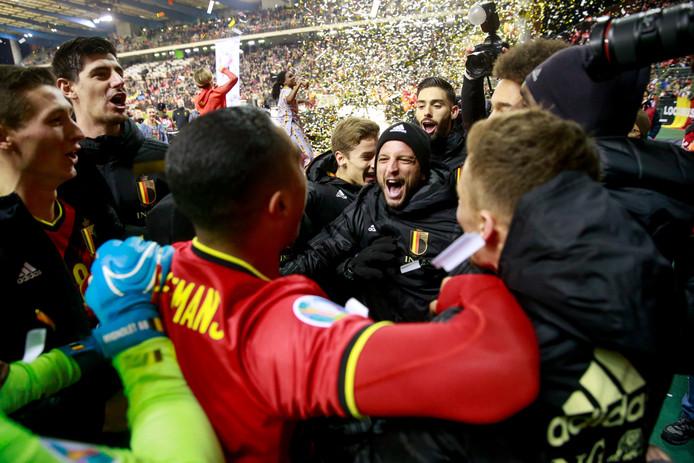 Dries Mertens (midden) is het middelpunt van de Belgische vreugde na de perfecte EK-kwalificatiereeks.