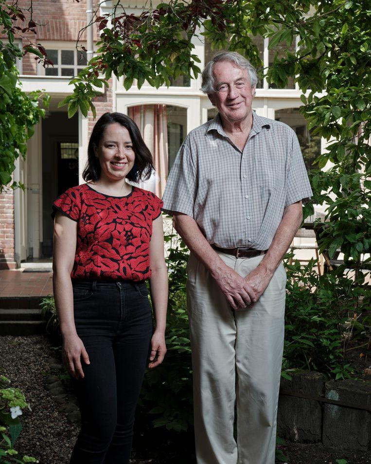 Huurder Ana Rosa Morfín Chávez (29) en  verhuurder Bert Bast (77). Beeld Erik Smits