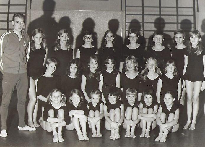 Wedstrijdgroep van GV Voorwaarts uit 1969.