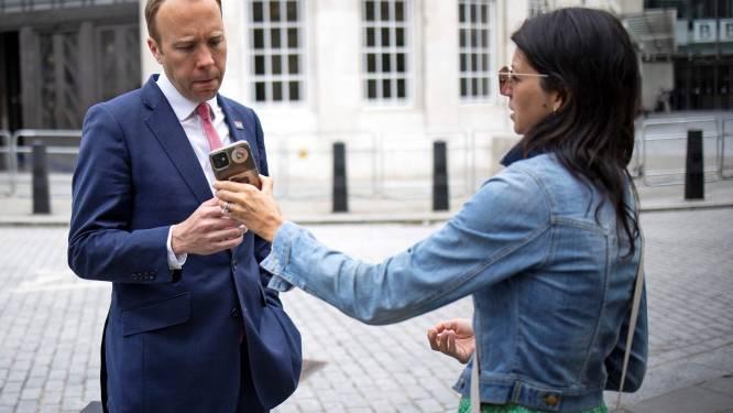 Getrouwde Britse minister onder vuur over liefdesaffaire met medewerkster
