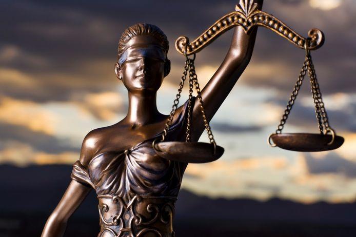 De twee Italiaanse families moeten nadenken over mediation. ,,Het gaat om eer en passie en iets kleins dat enorm uit de hand is gelopen'',  zegt de advocaat van Paolo N..