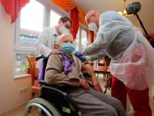 Edith, 101 ans, première Allemande à se faire vacciner